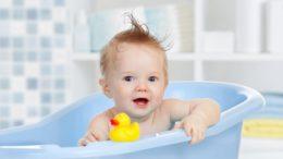 i benefici dei giochini da bagnetto per bambini